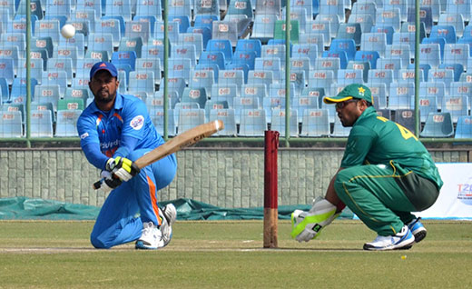 Players in action during the World T20 for the blind match between India and Pakistan