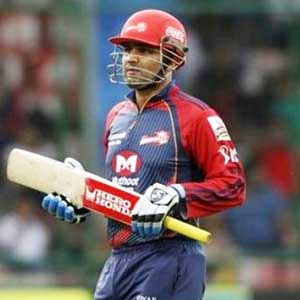 Top five batsmen who have sent bowlers to leatherhunt in IPL-5...