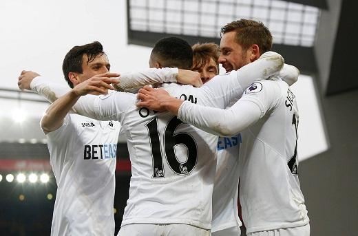 Swansea stun Liverpool 3-2 in EPL