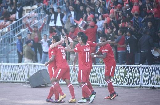 Aizawl FC beat Shillong Lajong 2-1 in I-League to go top