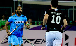 Sardar-Singh-of-IND-in-action-against-GER