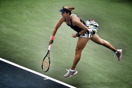 Pavlyuchenkova downs Kuznetsova to reach Australian Open quarters