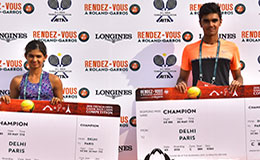 Mahak Jain and Adil Kalyanpur with the Winners Ticket in the second edition of Rendez Vous Roland Garros in partnership with Longines