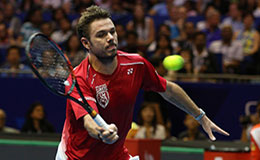 Stan Wawrinka prevailed over Guillermo Garcia-Lopez 6-4, 6-4 to reach the semi-final of Aircel Chennai Open