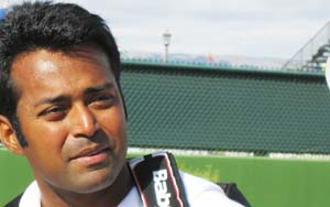 Rogers Cup: Paes in semis, Sania knocked out