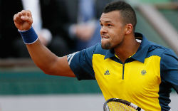 Tsonga Beats Roger Federer in quarter-finals of french open