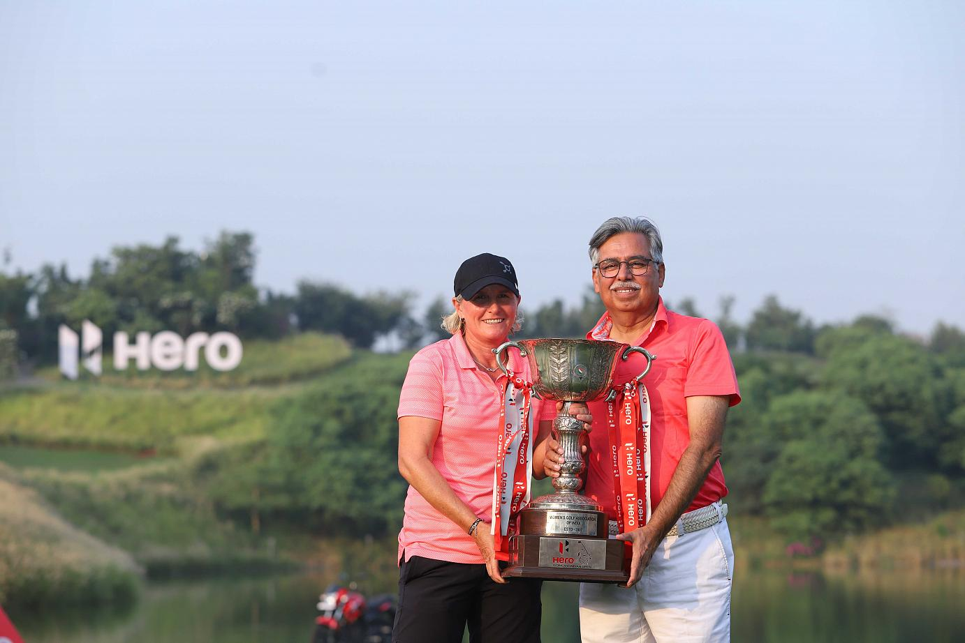 Mr. Pawan Munjal Chairman Managing Director and Chief Executive Officer Hero MotoCorp with Becky Morgan HWIO2018 Champion 2